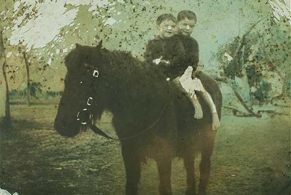 Boys-Horse_O